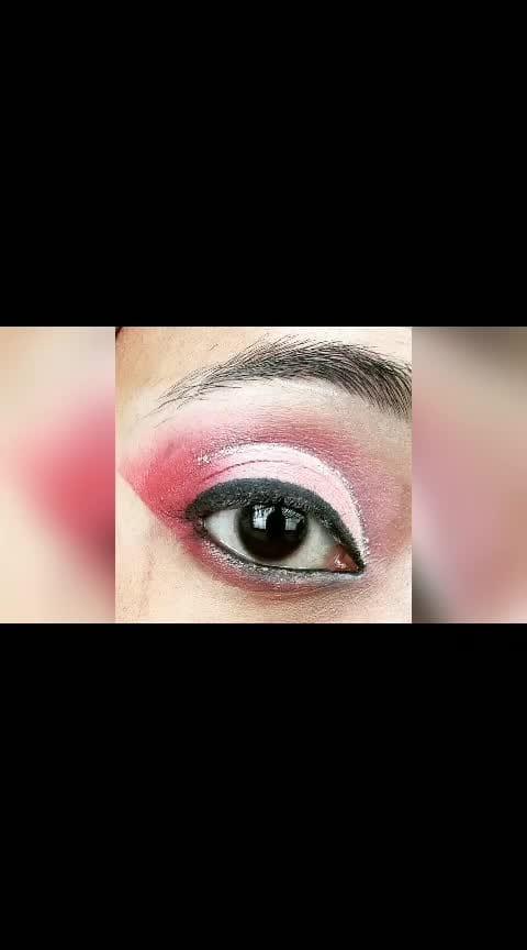 NAVRATRI EYE MAKEUP LOOKS 2018 PLEASE LIKE AND FOLLOW @makeupandnailsjunkie #makeup #eye-makeup  #eyemakeuptips #navratri2018 #makeupoftheday #ropo-makeup #makeuplove #beauty & makeup