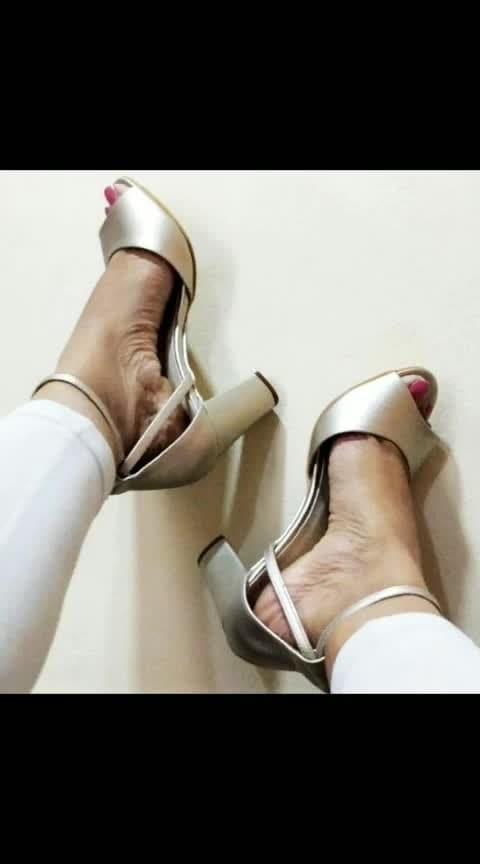 My new love from #inch5 👠  Show me yours ...   #fashieonmoments #newheels #shoesforgirls #nudeheels #shoesforgirls #heels #blockheelshoes