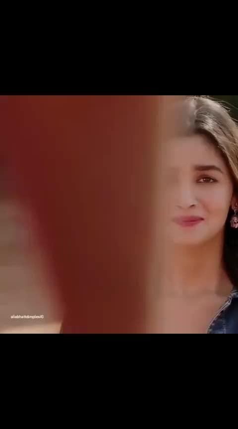 Sweetest moment😘😘😘#badrinathkidulhania #aliabhatt #varundhawan