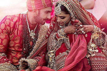 रामलीला एक हो गए 💏.. Exclusive DeepVeer Weeding pics.. Wishing this gorgeous, Romantic couple a Happy married life!! 👫💑😍❤  https://bit.ly/2DpPNIK  #DeepVeerKiShaadi #VeerDeeWedding #DeepikaPadukone #DeepikaWedsRanveer #RanveerSingh #bollywood #bollywoodwedding #bollwoodsuperstar #deepveer #loveforever #alwaysandforever #celebritycouple #celebritywedding #coupleforever #bollywoodcouple #deepveerwedding #bajiraomastani #ramleela #indianwear #indianweddings #bollywoodfashion #bollywoodstyle #sabyasachibride #Nashikfame #Nasik #Nashik #India