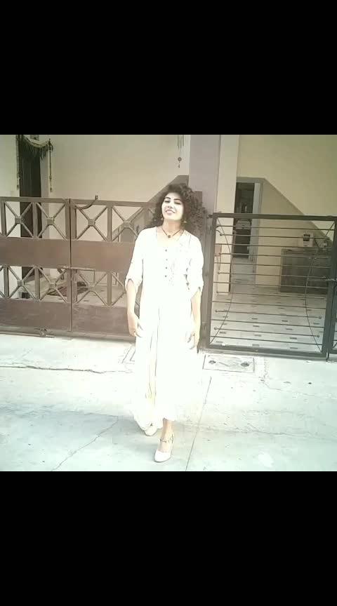 Hair flip video is necessary when you put so much hard work in doing your hair.  #beautyfitnessfunda #chopstickcurler #chopstickcurlers #maggiehair #curledhair #longcurlyhair #straighttocurly #hairstyleideas #vadodarablogger #vadodara #ahmedabadblogger #newvideoalert #newlook #bblogger #beautygram #indianbeautyblogger #instavideo #hairflipvideo #curlyhairflipvideo #instalike