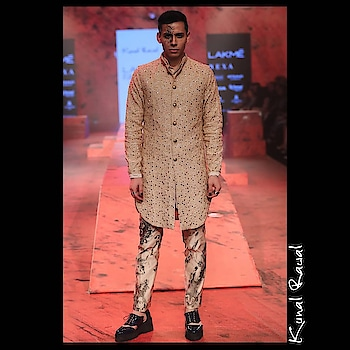 Classy signature Men's Wear by celebrity designer Kunal Rawal!!!  Preview for his latest collection exclusively at Deval The Multi Designer Store Today!!! #devalstore #ahmedabad #multidesignerstore #menswear #kunalrawal #exclusivepreview #celebritydesigner #designercollection