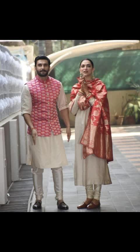 look who's back newly weds #ranveersingh #deepikapadukone snapped at#mumbai #airport eariler today before seems to be special #deepveerkishadi 😍