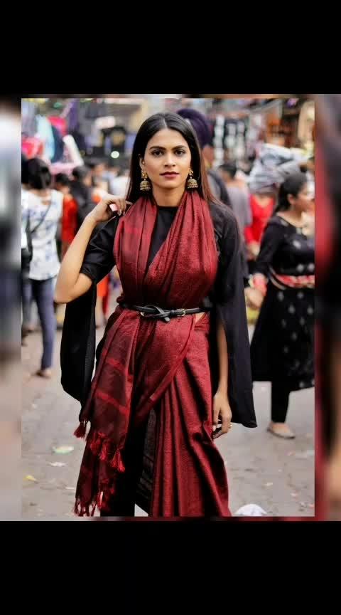 #saree #traditionalsaree #silk #90s #90sfashion #jhumkas #fashionoftheday #style #stylegram #delhifashionblogger #fashionblogger #brand #photography #photooftheday #basic #lovemyjob #instalove #look #trending #trend #fashionpost #styleguide #stylegram #lifestyleblogger #fashiondaily #bloggers #aashimalamba #thebasicrebel