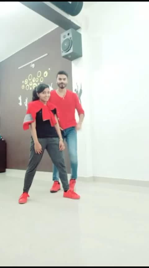#urvashi #dance #step #roposo-dance