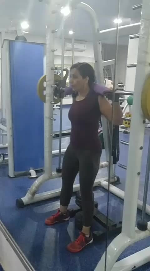 leg#fitness#gym goals#squats#variation#dumbbell touch