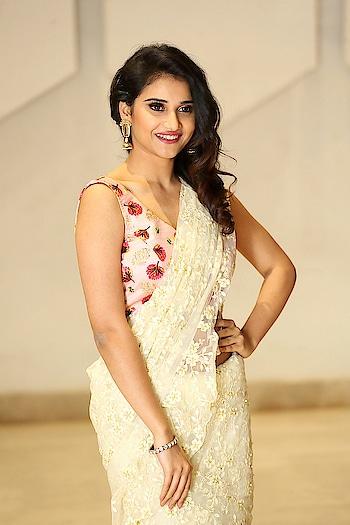 Priya Singh in floral white saree photos at Rangu Movie Pre Release https://www.southindianactress.co.in/telugu-actress/priya-singh-rangu-pre-release/  #priyasingh #southindianactress #teluguactress #tollywood #tollywoodactress #indianactress #indiangirl #indianmodel #saree #actressinsaree #netsaree #seethrough #seethroughsaree #sareefashion #floral #floralsaree #navel #actressnavel #hotnavel #sareenavel #hotgirl #hotindiangirl #fashion
