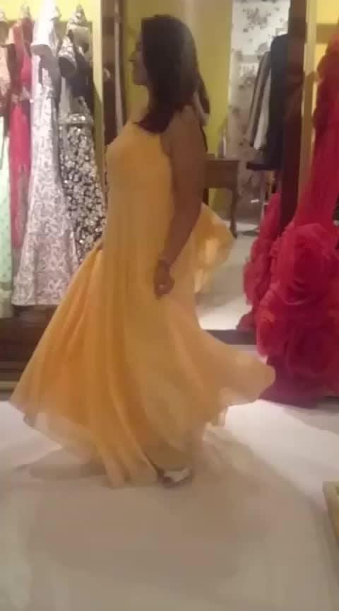 fairy tale moment 😍 #roposo #trend-alert #ropo-love #ropo-style #ropo-beauty #slowmotion #woman-fashion #fashioninfluencer #fashionbloggerindia #rentanattire #evening-gown #eveningwear