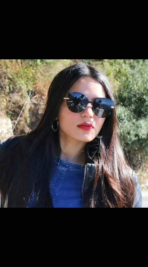 🔥🔥😎😎 #sunglasses #beauty #redlips #leatherjacket #denim #hot #winter #uttrakhand #love #styles #fashion #be-fashionable #video