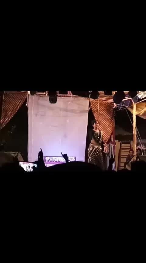 bhojpurii dance #roposo-dance #nightout #women-style