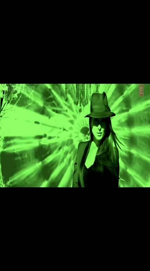 #kareenakapoor #kareenakapoorkhan #arjunkapoor #honeysingh #bestrap #bollywoodbeauty #bollywoodcollection #bollywoodsong #bollywoodstylefile #movie ki and ka #song #favoritesong #love #lovesong #best-song high#heels #recreate song
