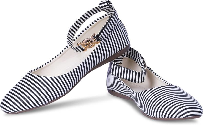 tryfeet Multicolor Bellies For Women  (Black, White)   Colour: Black, White 0.1 inch Heel Height Outer Material: Artificial Leather Inner Material: Artificial Leather Closure: Ankle Straps Pattern: Monochrome  Buy Now :- https://bit.ly/2ra9QmY