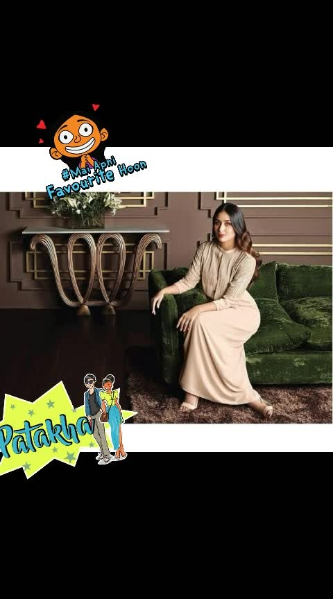 #kareenakapoorkhan #be-fashionable #be-fashionable #woman-fashion #fashionquotient #roposo-beauty #roposofashion #fashionchannel