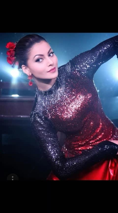 #urvashirautela #filmistaanchannel #fashionchannel