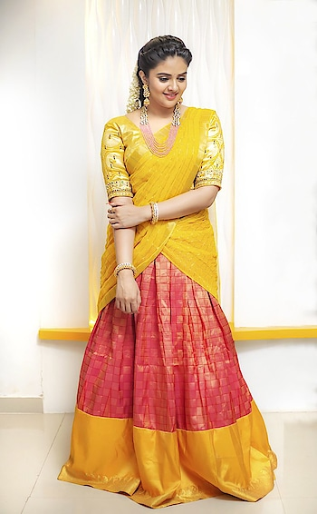 SreeMukhi #sreemukhi #southindianactress #teluguactress #halfsaree #southindianfashion #southindianacress #yellow #beauty #beautifulgirl #southactress #southindiangirl #model #indianmodel #modelphotoshoot #modelphotography #model #indianmodel #beautifulgirl #beautifulactress