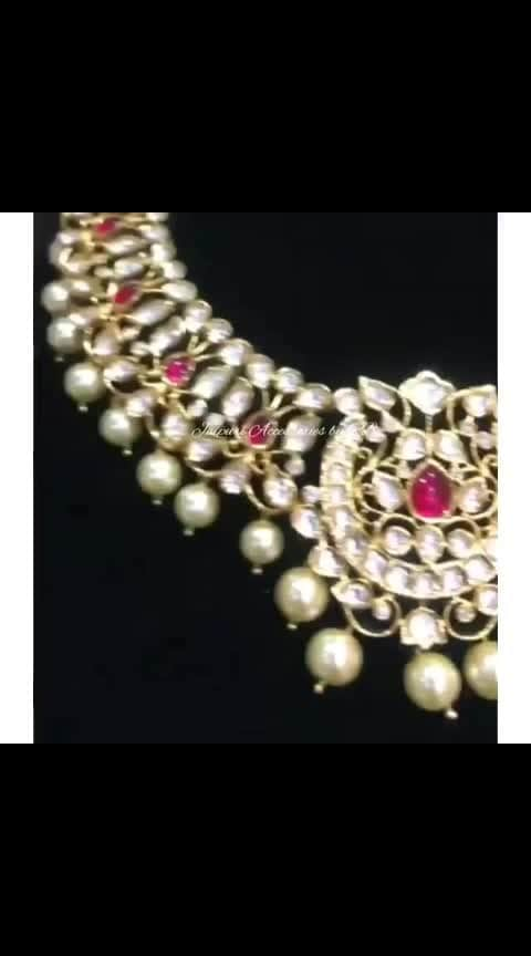 Going Gaga Over This Gorgeous Necklace For The Brides To Be 💕  Dm or whatsapp 7503577614 to order.  #jewellery #jewellerylove #canada #punjabiwedding #sardari #vancouver #dress #suits #patiala #beautiful #makeup #hudabeauty #_jaipuri_jewels #brands #ethnic #accessories #jewels #britishcolombia #dubai #europe #motivation #style #luxury #fashion #likes #likes4likes #follow #followuo