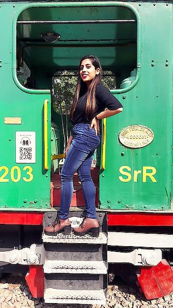 #soroposo #roposodaily #roposoblogger #roposolove #roposotalks #roposo #delhi #india #fashion #women-fashion #blogpost #blogging #blogstyle #bloggerlifestyle #bloggercommunity #bloggerdiaries #fashionblogger