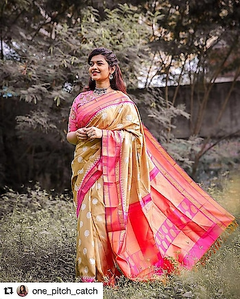 Festive season pattu sarees Ft. @pashudh. A simple khadi silk saree with a contrast border and pallu. How simple and unique the saree color and combination is 😍  You guys must check out their beautiful collections which has a wide array of colours, styles, designs you would fall for. .❤️ . 📷 @mahazphotography 💄 @artmakeup.in  Draped @drape_art . . #swetharenukumar  #onepitchcatch #opc #chennaiblogger #chennaiinfluencer #chennaifashionblogger #chennailifestyleblogger #indianblogger #chennaistyle #sareeblogger #styleblogger #chennaishopping #instastyle #khadisilk #silksaree
