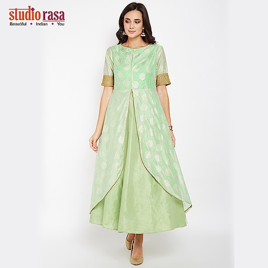Dazzle with mesmerising elegance by wearing this faux chanderi kurta!  https://bit.ly/2x9Fkgf  #9rasa #studiorasa #outfits #occasion #occasionwear #contemporary #ethnic #embroidered #like #share #followme #festival #wedding #season #weddingseason #trendy #green #shadesofgreen #newarrivals #kurta #layered #foilprint