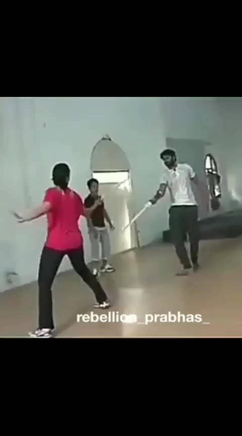 Prabhas♥️Anushka unseen video of learning sword fighting⚔️ #prabhasrajuuppalapati #baahubali #baahubali2 #prabhasraju #prabhas #wkkb #anushkashetty #tamannaah #anushka #ranadaggubati #smileking #killersmile #prabhasrana #amrendrabaahubali #50daystorebelstarbday #twittertrends #tollywoodactor #indiancinema #southindiancinema #darlingey #saaho #tollywoodactress #mirchiprabhas #prabhasfemalefans #saahoprabhas #prabhas20 #prabhasraju