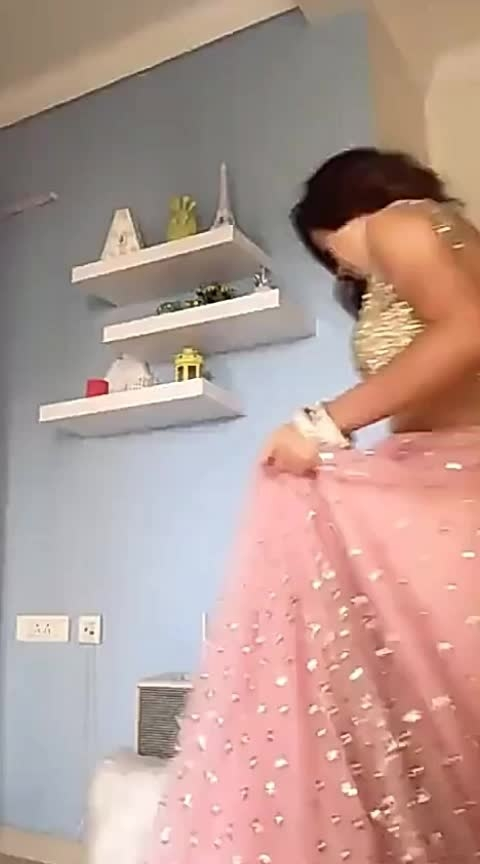 #sexypink #sexy-look #sexy-face #super-sexy #sexydress #pinklehenga #beats #roposo-beats #backlessdress #sexybabes #sexyback #sexydance