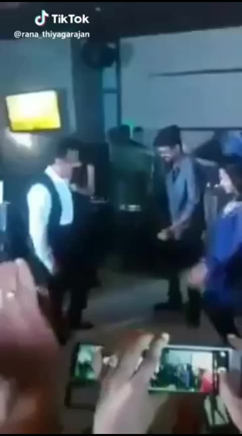 HIT like if you are watching this for the first time..#vijay and #kamalhassan dancing for ilamai idho idho song