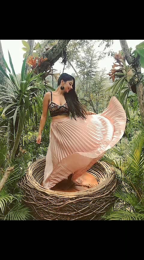 #ropo-beauty #ropo-fashion #ropo-makeup #ropo-cosmetics #roposo-makeupandfashiondiarie #roposo-girlrespectquotessoulful