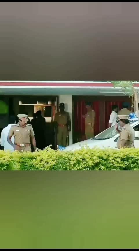 #vijaysethupathy #vijaysethupathihits #sethupathy #konji_pesida_venaam #ramyanambisan #tamilwhatsappvideostatus #lovesongs #verticalfullscreen #roposo-tamil