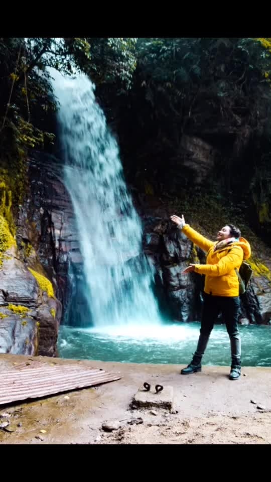 I. Present to you. The. beautiful. Banjhakri Falls. Yay!! Waterfalls are exciting because they have power, they have rainbows, they have songs and they have boldness and craziness! . . #indiantravelblogger #yellow #blues #fresh #india #love #happy #me #waterfall #travelblogger #travel #insta #instagram #instapic #picoftheday #newpost #fashion #fashionblogger #influencer #plixxoinfluencer #delhi_igers #sikkim #sikkimdiaries #delhiblogger #mumbaiblogger #vintage #igers