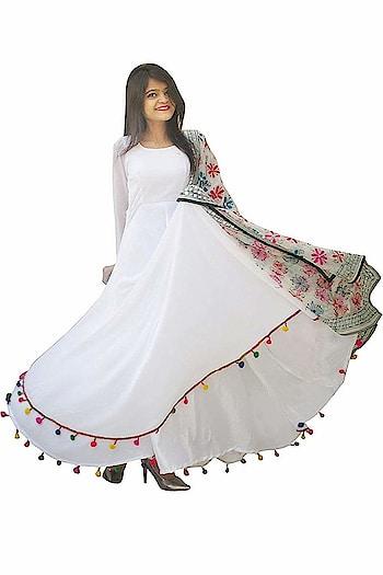 Rajkumari Women's Georgette with Shantoon Lining Lashkara White Anarkali Dress for Women  Fit Type: Regular Fit Fabric :Georgette with shantoon lining Type : Anarkali Lashkara , Full sleeve,Dupatta Only For Display Occasion: Party Wear, Casual wear, Office Wear,Festival Wear Available Size: X-Small(Bust-34,Waist-31), Small(Bust-36,Waist-33), Medium(Bust-38,Waist-35), Large(Bust-41,Waist-37.5), X-Large(Bust-43,Waist-40), XX-Large(Bust-45,Waist-42.5) Wash Care : Easy /Normal Wash & Hand Wash, Machine Wash,Do Not Bleach  #womens #clohting #kurti #designer #printed #stylish #trendy #lashkara #pompim #kurti #long #fashionable #partywear #ethnicwear   Buy Now:- https://amzn.to/2QkInOk