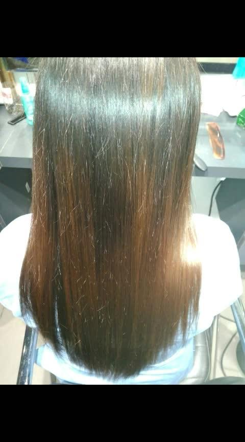 #straighthair #straightcut #straight #blowdrybar #blowdry #blowdrystyle #straightening #kanpurbeautyblogger #kanpurblogger #kanpur_city #kanpur_city #hair-do #hair-style #hair love❤ #hairlook #shinyhair #shinylook 💋❤😍