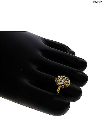 Anuradha Art Jewellery offers beautiful collection of traditional golden toe ring in classic look. These toe-rings are made up of golden finish metal and ensure high durability. To see more designs click on this link http://bit.ly/2EuAm3c #toerings #toeringsonline  #goldentoerings #fancytoerings  #adjustabletoerings #toeringsforwomen  #antiquetoerings #anuradhaartjewellery