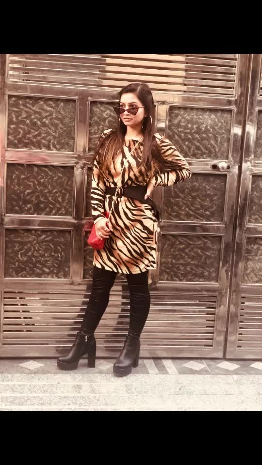 Animal prints for this season!!!  I am obsessed with this trend 🙈   #roposo #risingstar #fashion #fashionblogger #roposoblogger #fashiontrend #fashioninspo #animalprint #trending