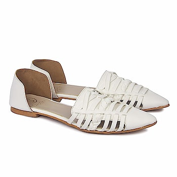 SkoSti White Color Pointed Toe Flat Sandals for Women/Girls  Sole: PU Closure: Slip On Upper Material : PU :: Insole Material : PU Color : White :: Package: 1 Pair Sandals|LifeStyle: Casual, Formal wear, Party Wear Flats. These modern Flats are very Stylish, Fashionable and very easier to wear. Skosti brings you directional and affordable fashion inspired by the catwalk, street style and celebrities. Keep visiting for regular new collections! Comfortable Movement- Skosti Footwear allows the feet to move as naturally as possible, particularly around the toe area where maximum flexibility is required.  Buy Now :- https://amzn.to/2EviIvZ