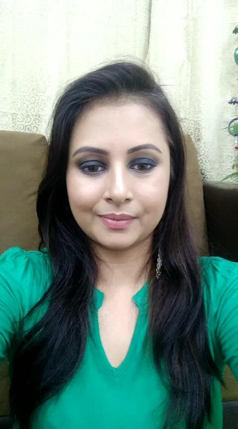 affordable eyeshadow palette under rupees 500   #roposo #roposorisingstar #roposopunjabi #punjabi #kaur #kaurtips #beautytips #makeuptips #beautytipsandtricks #makeuptipsandtricks