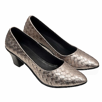 Click Here To Buy More Option:-  https://amzn.to/2UQqu8Q  Casual Ballet combines eye catching design and style in a modern look and is guaranteed to keep you comfortable in summers. These will compliment all your casual wears and party wears. Women on the go will surely like to spruce up their look wearing these casual shoes.  #guapofootwear #womenfootwear #casualsandal #bellies #womenflipflop #sandal #womenflatfootwear
