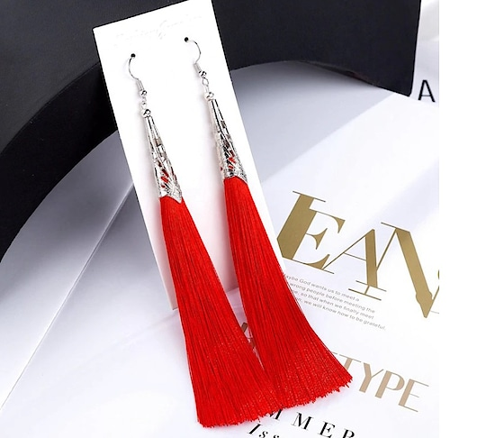 #tassels #tasselsearrings #red-hot #hangings #nylon #womenearrings #ropo-girl #ropo-daily #dailyupdates #blacklove #womenaccessories #bold-is-beautiful #roposo-fashiondiaries #fashiontiara #tiaralove  What's up on 9820408112 to Order