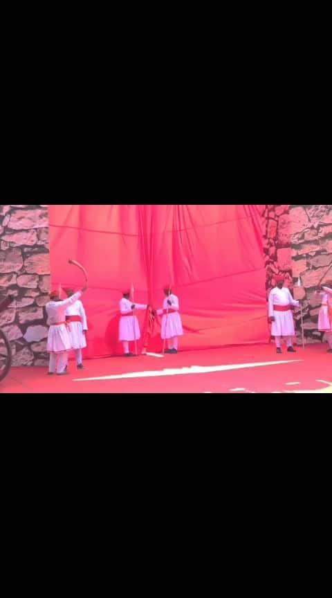 This was a truly amazing trailer launch with #kanganaranaut #kanganaranautfc #kanganafans #bollywood #bollywoodactress #manikarnika #manikarnikaqueenofjhansi #trailer #love #song #dance