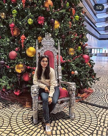 Mandatory clicks with Christmas Tree🎄✨💕  #winterfashion #winterstyle #wintertime #wintersfashion #fashionblogger #ukfashionblogger #indianfashionblogger #beautyblogger #delhifashionblogger #londonblogger #travelblogger #roposofashionblogger #roposofashion #roposofashiondiaries #styleadvice #christmasdiaries #christmasfeels #christmastree #sanfrancisco #sanfranciscotravel #traveldiaries #sanfranciscotravel #sanfranciscotraveldiaries