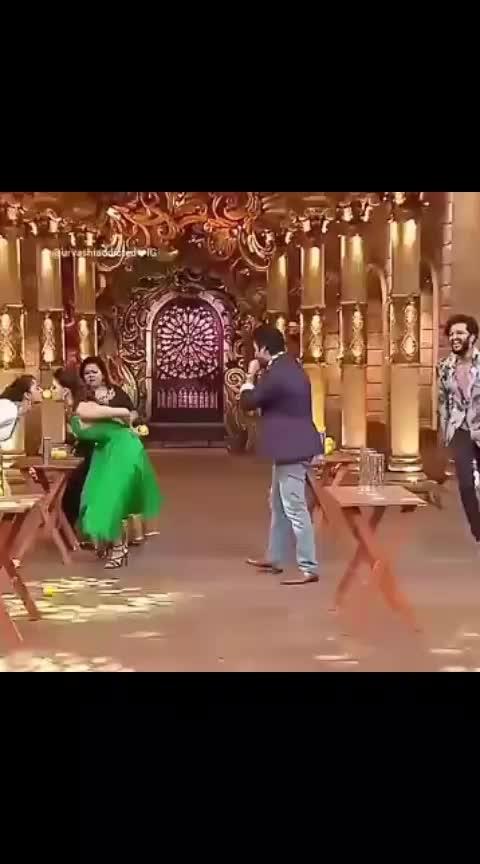 #krishnastami #urvashirautela #grandmasti #roposo-funny #roposo-comedy #roposo-haha #funnygame #comedydrama #drama #comedynightsbachao