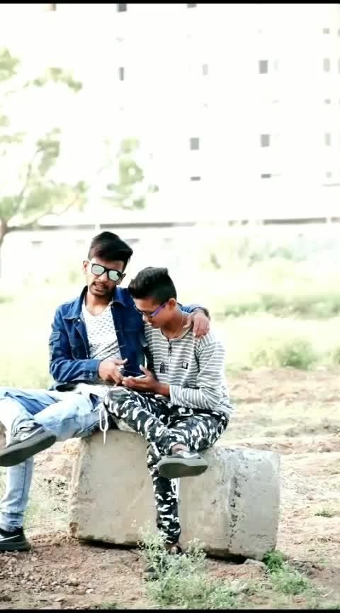 #roposostar  #roposo  #gujaratisong  #gujaratimovie  #kinjaldave  #jigneshkaviraj  #kirtidangadhvi  #gujarati #follow #bhai  #gujaraticomedy  #rops-style  #follwoforfollow  #likealways  #liked  #gujaratibeats  #hindijokes  #comedyking  #new  #omg  #statusforgirls  #girls  #gujaratikavita  #ropo-bhakti  #bhakti-tv #gabru