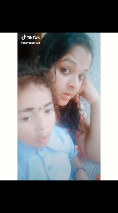 daughter n mom cute dubsmash  #tamilnadu  #whatsappstatus  #whatsappvideo  #whatsaapstatusvideo  #whatsaapstatusvideo  #cutekids  #whatsnew  #momanddaughter