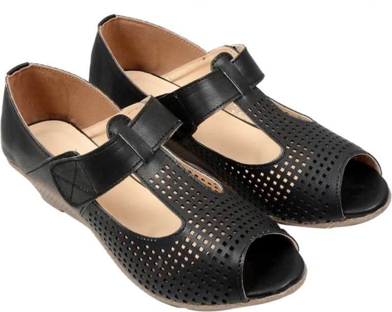 Daily Wear Designer Doctor Sole Casuals For Women  (Black)  GUAPO is a brand known for its high quality and reasonable range products. Products with sober and class look which gives you pure comfort and good walking experience.   Buy Now :- https://bit.ly/2SiAndD  #guapofootwear #footwear #womenflipflop #womenflatfootwear #sandal #bellies #womensandals
