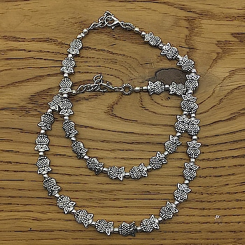 Auspicious Silver Baby Owl Payal Anklet Website Link - https://bit.ly/2rXNuFS . . . . #silveranklet #indianfashion #payal #owlanklet #anklet #anklets #owl #statementjewelry #choker #bollywoodjewellery #bridaljewelry #partywear #indiandesigner #bracelet #onlineshopping #southindianjewelry #fashionblogger #jewellery #necklace #indianwedding #jewelry #bridaljewellery #earrings #beachwear #accessories #mumbai #stylish #newyears #fashionjewellery
