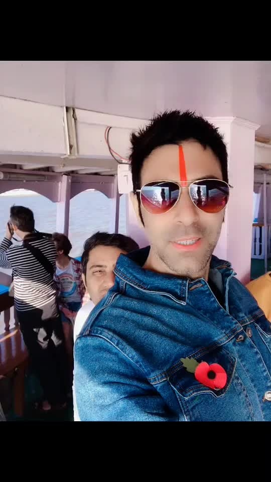 On a ferry ⛴ after a long time.. #thankgod #fun #holiday #party #travel #dancetravel #travelanddance #sandipsoparrkar #commonman #local #roposotraveldiaries #roposotravel #roposodance #funroposo #loveroposo