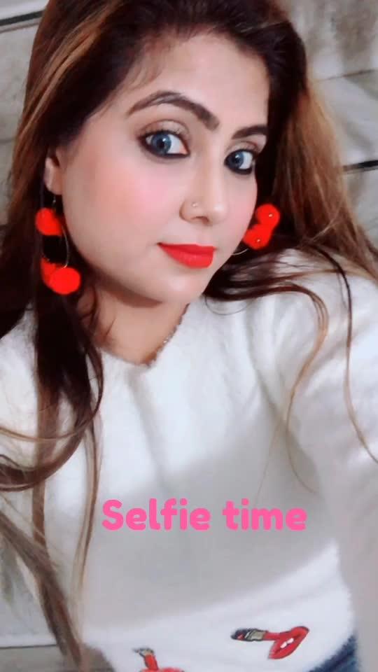 #selfieoftheday #picofdday #kohleyes #eye-makeup #roposoness #winter-style #delhilifestyleblogger #happytimes