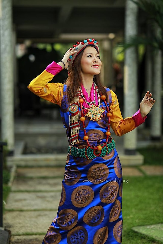 Miss Tibet looks beautiful for the photo shoot  #MissAsia2018 #missasiaglobal2018 #pegasusevent #godsowncountry #incredibleindia #manapuramfinance_LTD #DrAjitRavi #DQwatches #sajearthresorts #MissAsiaGlobal #Tibet