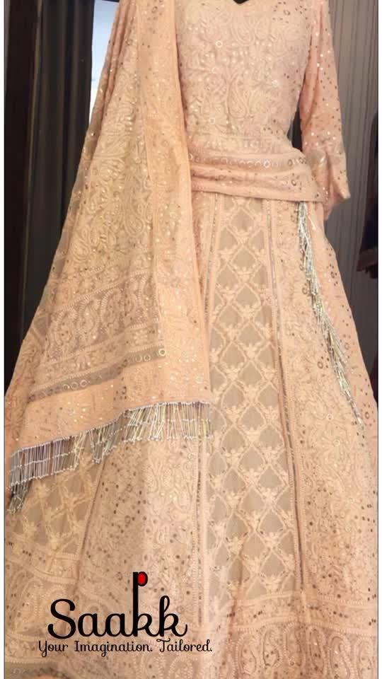 Simplicity is the keynote of true elegance. #chikankari #mokaishwork #pakistanilehenga #pakistaniwear #ordernow #festiveseason #customiseyouroutfit #saakk #saakkbysakshi #saakkyourimaginationtailored