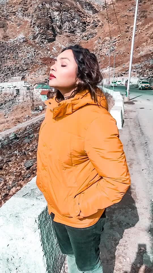 If you could travel anywhere in the world, where would you go first? ✈️🌈 #sunbathing #me  #delhiblogger #happy #makeup #sunday #igers #delhi_igers #travel #travelblogger #travelgram #love #instagram #instagood #instamood #instafollow #followme #mountains #china #fashion #fashionblogger #styleblogger #instatravel #explorer #northeastindia #india #indian #travelholic #follow @travel @natgeotravel @travelthelife @travelandleisure @travel_inhershoes @traveldreamseekers