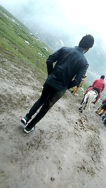 #himachalpradesh #rohtangpass #cloudy